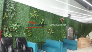 Lắp đặt tường cây giả tại phòng tập gym 73 Vạn Bảo, Ba Đình, Hà Nội